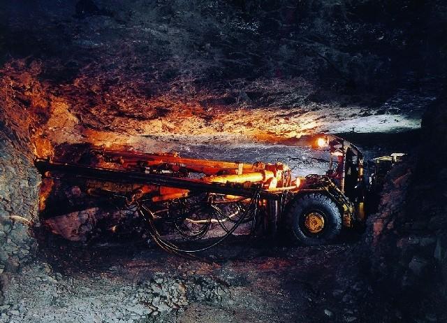 W nocy w kopalni zmarł górnik.