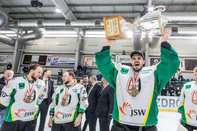 Hokeiści JKH GKS Jastrzębie po raz pierwszy zostali mistrzami Polski i w nagrodę zagrają w CHL