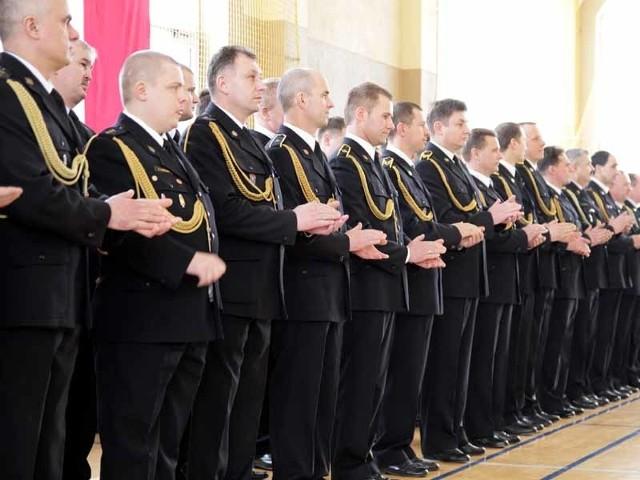 Blisko 90 osób, w tym ponad 50 białostockich strażaków, otrzymało dzisiaj medale i awanse