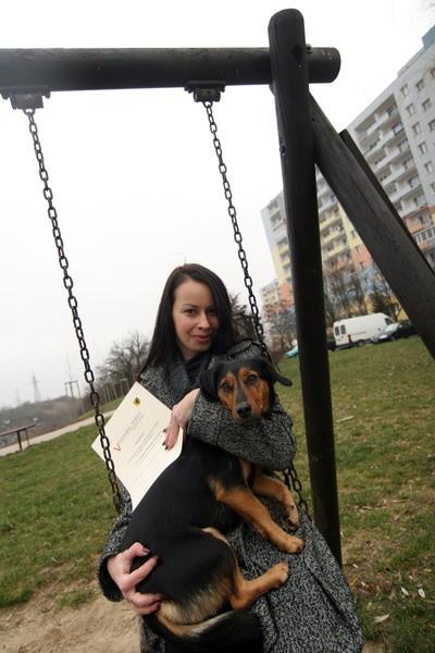 Karolina Sałdecka z ukochanym psem
