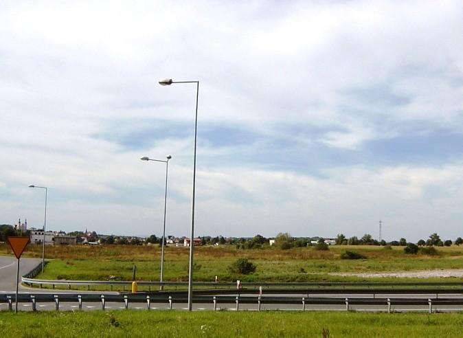 350 miejsc pracy ma powstać w Otmuchowie. W połowie 2017 rokuNiemiecki inwestor wybrał Otmuchów na lokalizację, bo działka ma dostęp do rzeki i możliwość poboru wody przemysłowej, dostęp do sieci kolejowej, odpowiednie zaopatrzenie w gaz i energię.