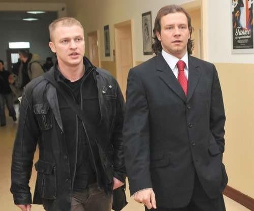 Radosław Majdan i Jarosław Chwastek w koszalińskiej Prokuraturze Rejonowej.