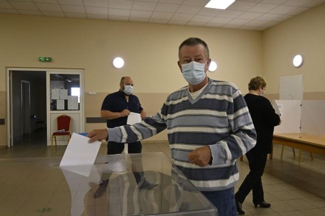 Długa kampania wyborcza nie wpłynęła na decyzję Mariana Guzowskiego. - Od początku wiedziałem na kogo oddam głos - mówi