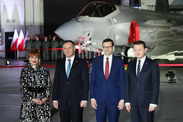 Ambasador USA w Polsce wraz z prezydentem, premierem i ministrem obrony narodowej
