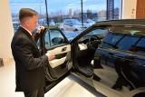 Luksusowy salon Jaguara i Land Rovera w Kielcach już otwarty. Można tu kupić auto nawet za... milion złotych