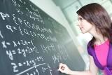 Zarobki nauczycieli 2020. Zobacz, jaką pensje dostaną nauczyciele od 1 września. Stawki po podwyżce