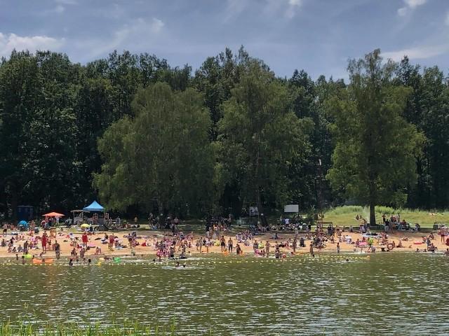 Arturówek oblężony przez mieszkańców Łodzi w upalną niedzielę