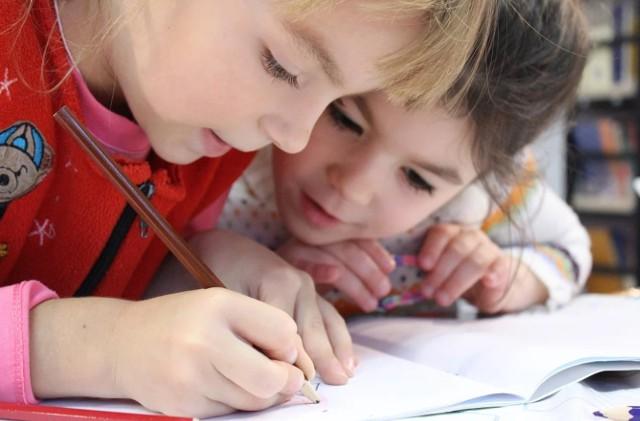 Do szkoły wraca w poniedziałek w Koszalinie ponad 3 tysiące uczniów klas I-III