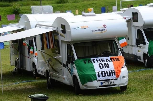 Na postoju dla kamperów zorganizowanym na Winogradach parkowali przede wszystkim Irlandczycy.