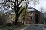 Pałac w Bycinie to ruina. Wewnątrz znajduje się przepiękna polichromia z XVIII wieku. Co z jego przyszłością?