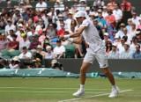 Hubert Hurkacz - Roger Federer. O której środowy mecz Polaka w ćwierćfinale na kortach Wimbledonu?