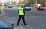 """Policyjna akcja """"Prędkość"""". Na terenie województwa łódzkiego funkcjonariusze zatrzymali 974 """"za szybkich"""" kierowców"""