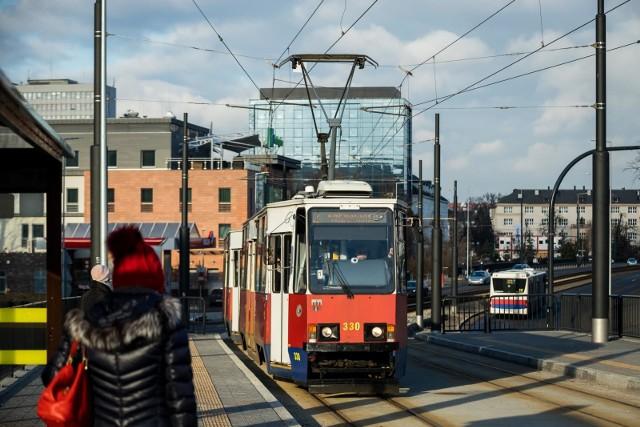 Brak zasilania w obrębie r. Kujawskiego. Linie tramwajowe 2, 9 oraz 11 pojadą przez ul. Jagiellońską i Perłową.