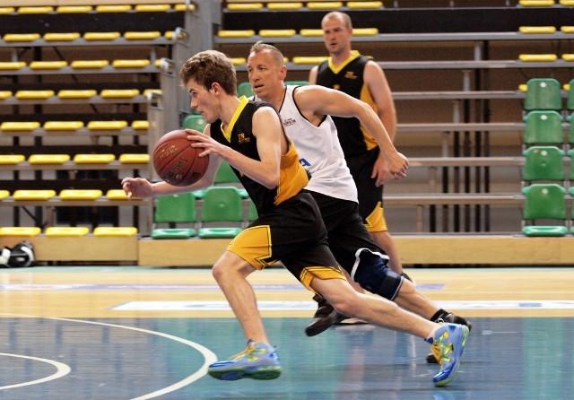 """Amator Basket za burtąAmator Basket tą przegraną przekreślił swoje szanse na pierwszą """"czwórkę"""" i grę o medale"""
