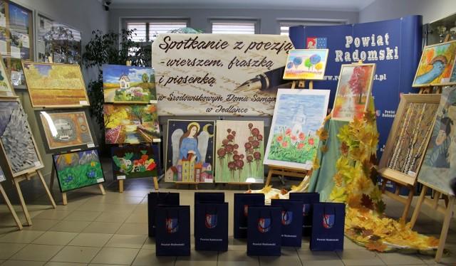 Przygotowano wiele prac, które można podziwiać w siedzibie Starostwa Powiatowego w Radomiu.