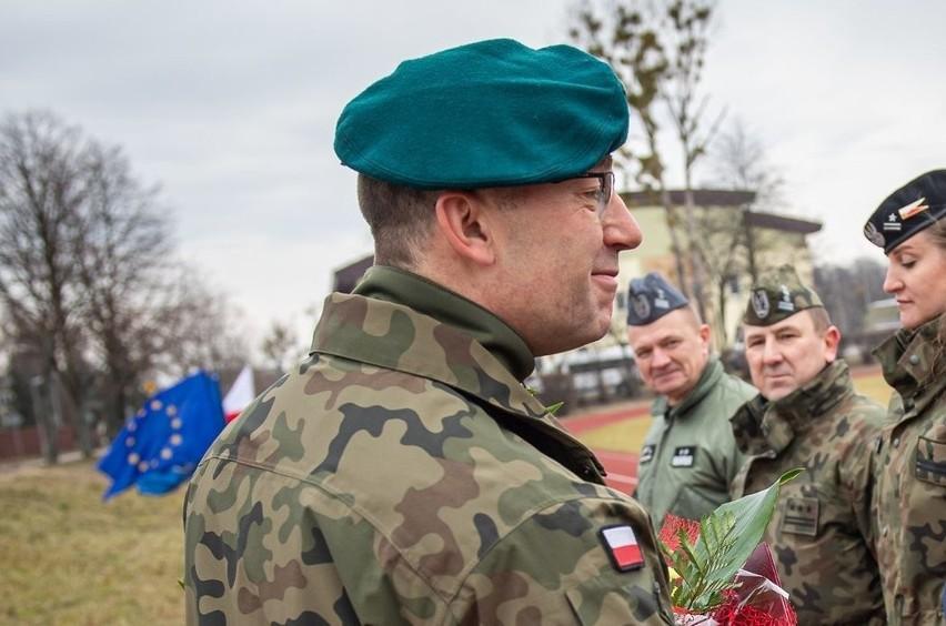 O godzinie 10 śmigłowiec Dowódcy Operacyjnego Rodzajów Sił Zbrojnych wylądował w Prudniku.