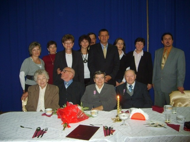Złoci jubilaci z organizatorami spotkania