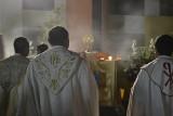Księża, którzy zostali ojcami, powinni spędzać czas z dziećmi. Watykan ujawnia tajne zasady dotyczące księży-ojców