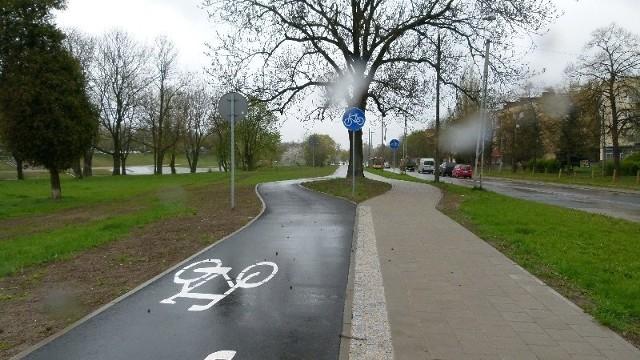 Wzdłuż ul. Wojska Polskiego cykliści mogą już korzystać z nowej drogi rowerowej o długości 1,4 km.