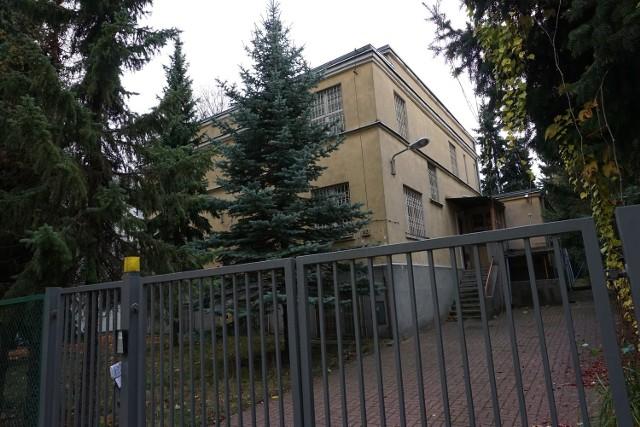 Policyjną Izbę Dziecka zamknięto przez zły stan techniczny budynku i brak ochrony przeciwpożarowej