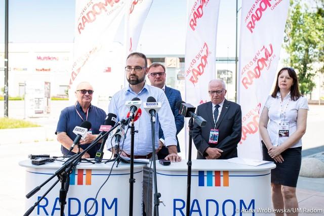 Na obchody rocznicowe już kilka dni temu zapraszali mieszkańców i gości włodarze miasta oraz przedstawiciele Stowarzyszenia Radomski Czerwiec'76.