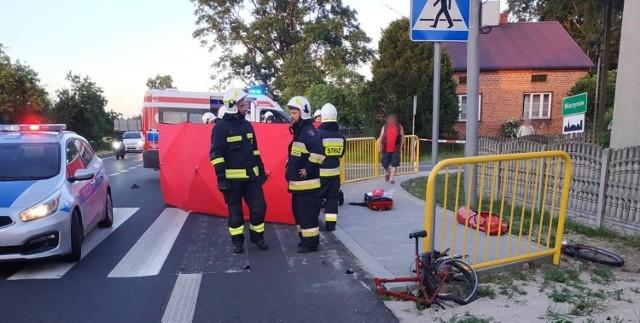 Śmiertelne potrącenie rowerzysty we wsi Mierzynów w gminie Rusiec