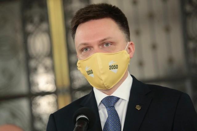 Ugrupowanie Polska 2050 Szymona Hołowni przegrywa 7 punktami ze Zjednoczoną Prawicą i ma czteropunktową przewagę na Koalicja Obywatelską