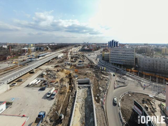 Centrum przesiadkowe Opole Wschodnie. Postępują prace przy nowych tunelach