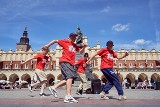 Misjonarze Rytmu kontra CoolKids MOB. Krakowscy breakdancerzy stają do walki w nowym filmie wideo