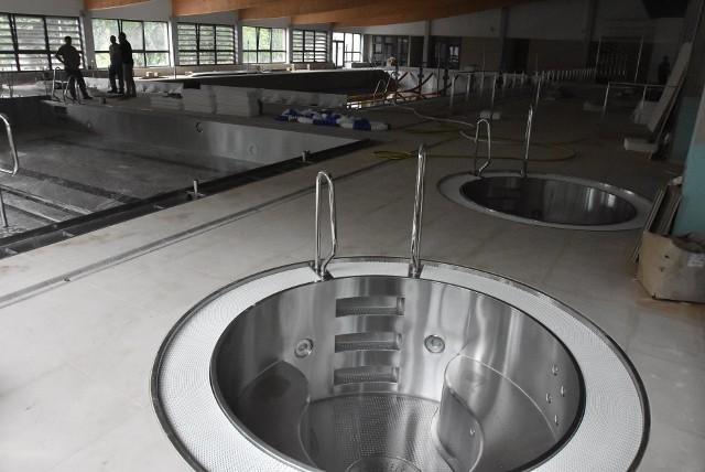 Kryta Pływalnia Solan w Nowej Soli. Stan prac, sierpień 2020.