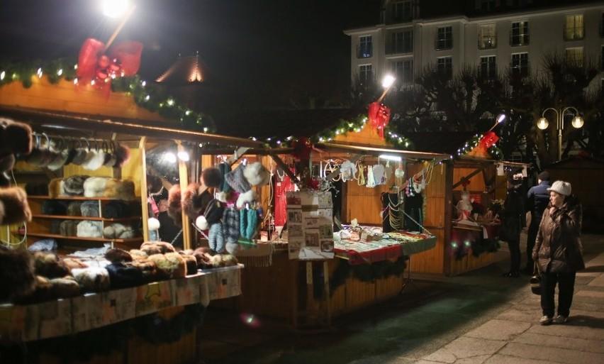 W sobotę, 19.12.2015 r. w Sopocie zainaugurowano jarmark świąteczny