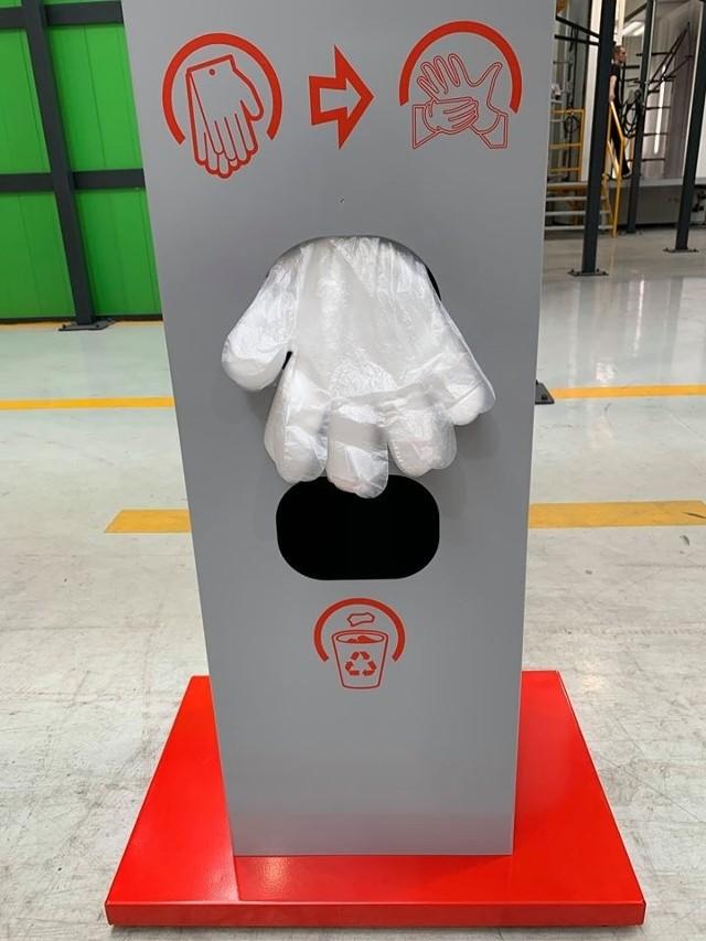 Stacja do dezynfekcji rąk.