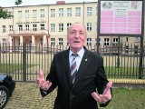 ZS w Michałowie. Powiat chce oddać szkołę za złotówkę. Razem z uczniami