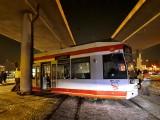 Wykoleił się tramwaj na al. Włókniarzy w Łodzi. Duże utrudnienia dla pasażerów łódzkiego MPK! ZDJĘCIA