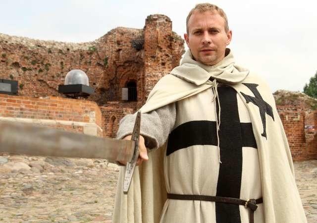 Wywiad o incenizacji w ruinach zamkuPiort Pietrucki