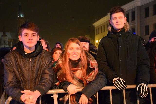 Wielka Orkiestra Świątecznej Pomocy zaprosiła legendę rocka - zespół KSU. O godz. 20 poleciało światełko do nieba.