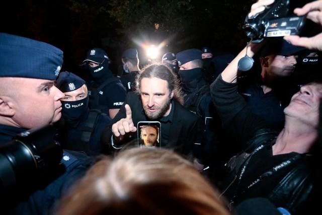 Grzegorz Dawidowicz: - Nie ma czegoś takiego jak przemoc słuszna i nie słuszna.