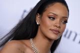 """Koronawirus na świecie: Rihanna przekazuje 5 milionów dolarów na walkę z koronawirusem. Przestrzega, że """"najgorsze może dopiero nadejść"""""""