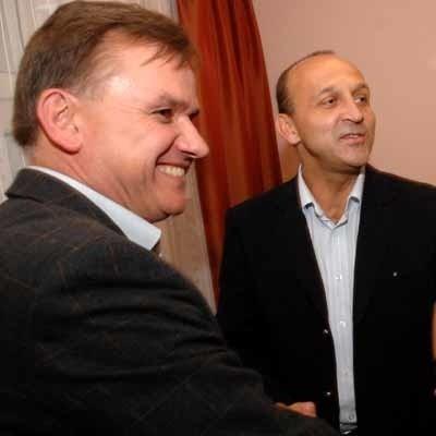 Kazimierz Marcinkiewicz dzisiejszą konferencję prasową zorganizował po to, by chwalić kandydującego na posła Marka Surmacza