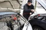 Jak uruchomić samochód za pomocą kabli rozruchowych. Jak zimą odpalić auto kablami?