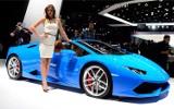 Frankfurt 2015: Szybkie samochody i piękne dziewczyny [ZDJĘCIA, WIDEO]