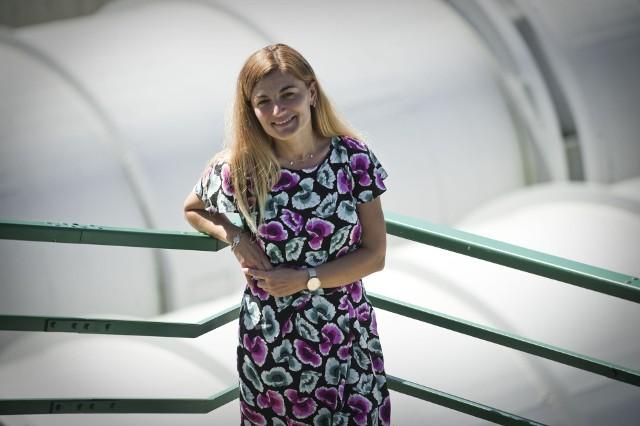 Dr inż. Ewa Jakubczyk ukończyła studia na kierunku Technologia Chemiczna, doktoryzowała się na Wielkiej Brytanie (Uniwersytet w Cranfield)