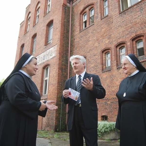 Siostry Elżbietanki liczą na wsparcie burmistrza Wiącka i wierzą, że w ich budynku powstanie hospicjum.