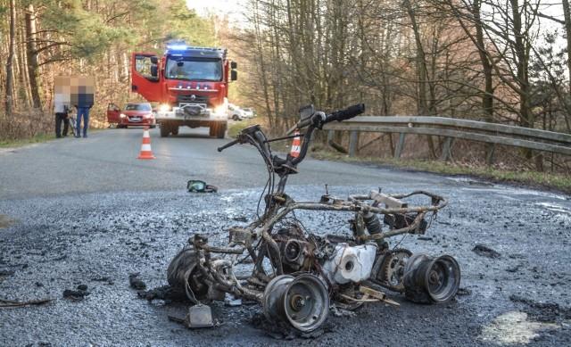 Śmiertelny wypadek w miejscowości Smólnik w powiecie włocławskim. Quad uderzył w drzewo, jedna osoba zginęła na miejscu.