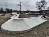 Skatepark na os. Majowym na Prawobrzeżu Szczecina nabiera kształtów. Zobacz zdjęcia