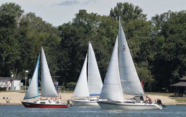 W niedzielę, 20 września, na jeziorze Gopło rywalizować będą żeglarze. Powalczą o tytuł mistrza Klubu Żeglarskiego Popiel