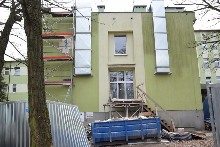 Trwa budowa nowego Odziału Intensywnej Opieki Medycznej w Kędzierzynie-Koźlu. Jeszcze w marcu rozpocznie się przeprowadzka