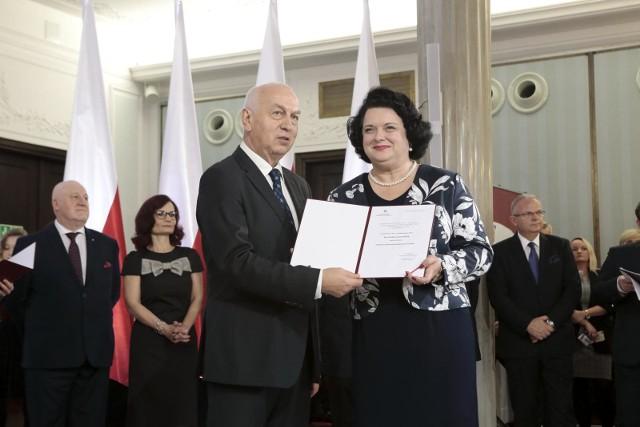 Barbara Dziuk w trakcie uroczystości wręczenia zaświadczeń o wyborze posłów na Sejm IX kadencji.