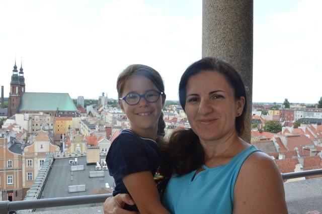 Barbara Rak-Durkalec z córeczką Agatą były jednymi z pierwszych, którzy podziwiali Opole z góry.