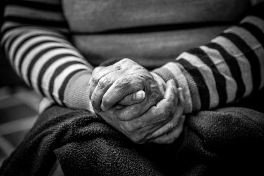 91-letnia mieszkanka Lublina została oszukana we wtorek na 70 tys. zł.